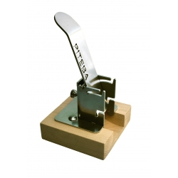 NUTCRACKER - HIGH QUALITY STAINLESS STEEL AND BEECH WOOD